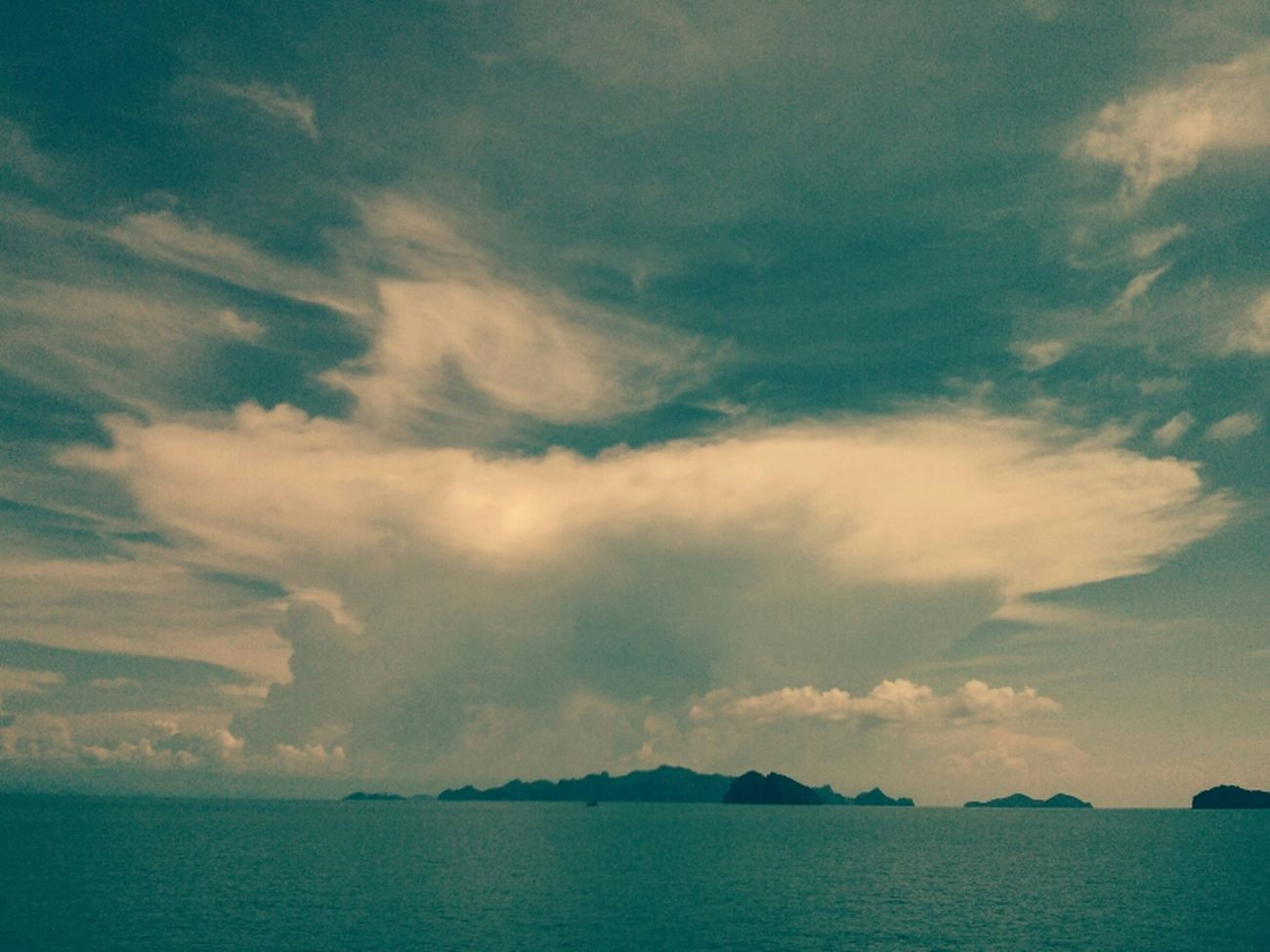 Cloudporn Oceanview Kus In Thailand