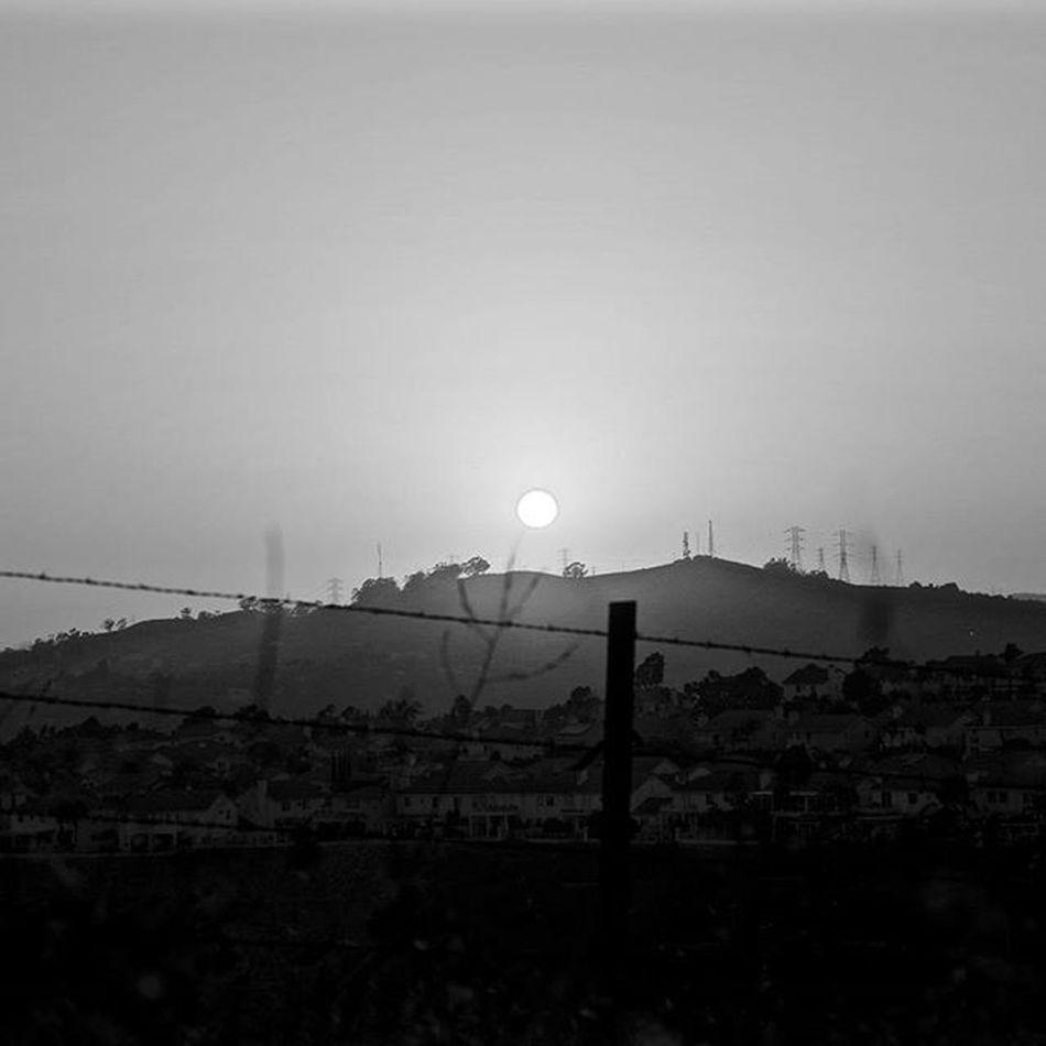 Sunrise or Sunset? 🌄☀ Pentaxk50 Pentaxcamera Pentax Pentaxagram Pentaxiansstandup Pentaxiansunite Sunset Blackandwhitephotography Vantagepoint