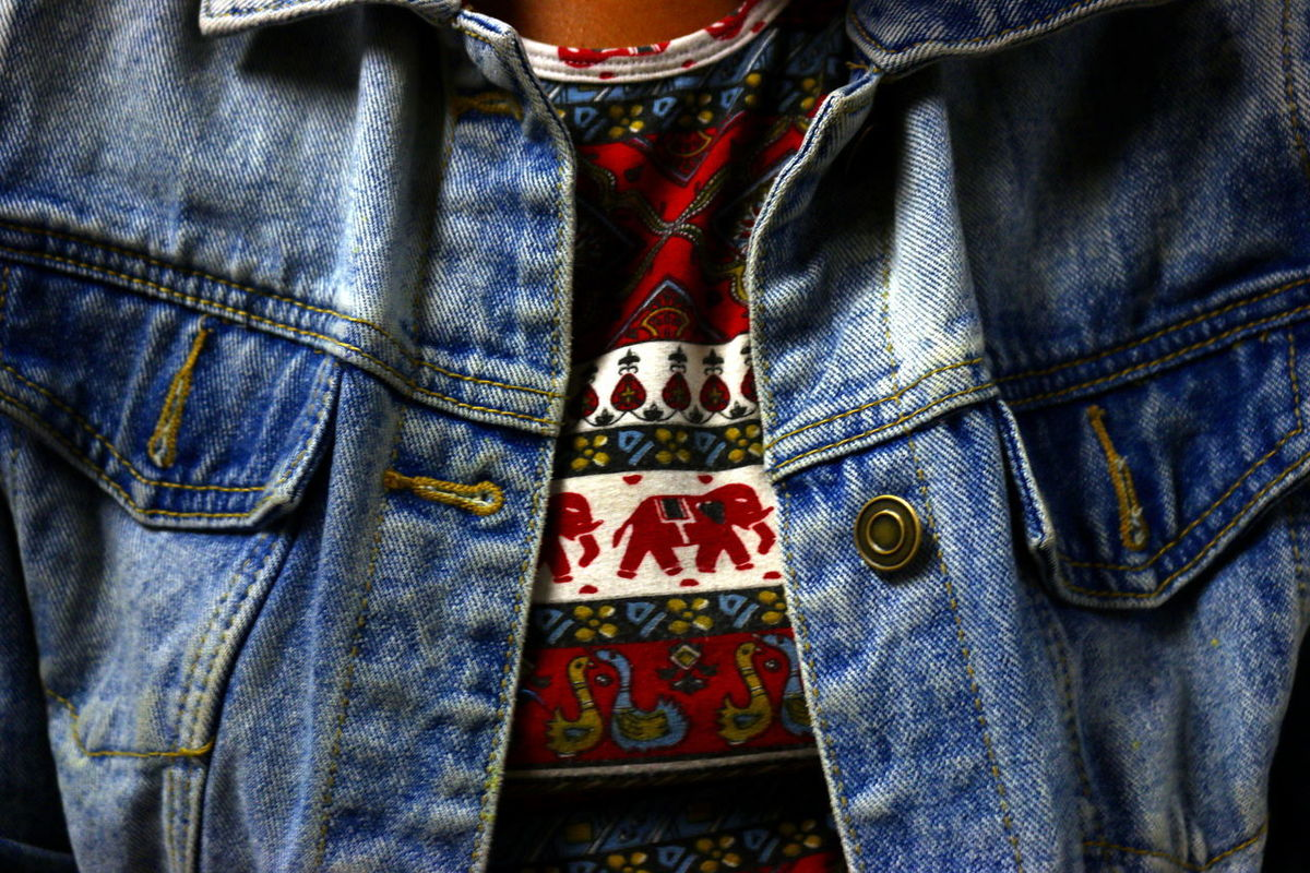 Casual Clothing Close-up Day Fashion Indoors  Jeans Lifestyles Low Section Midsection One Person People Pocket  Real People Standing