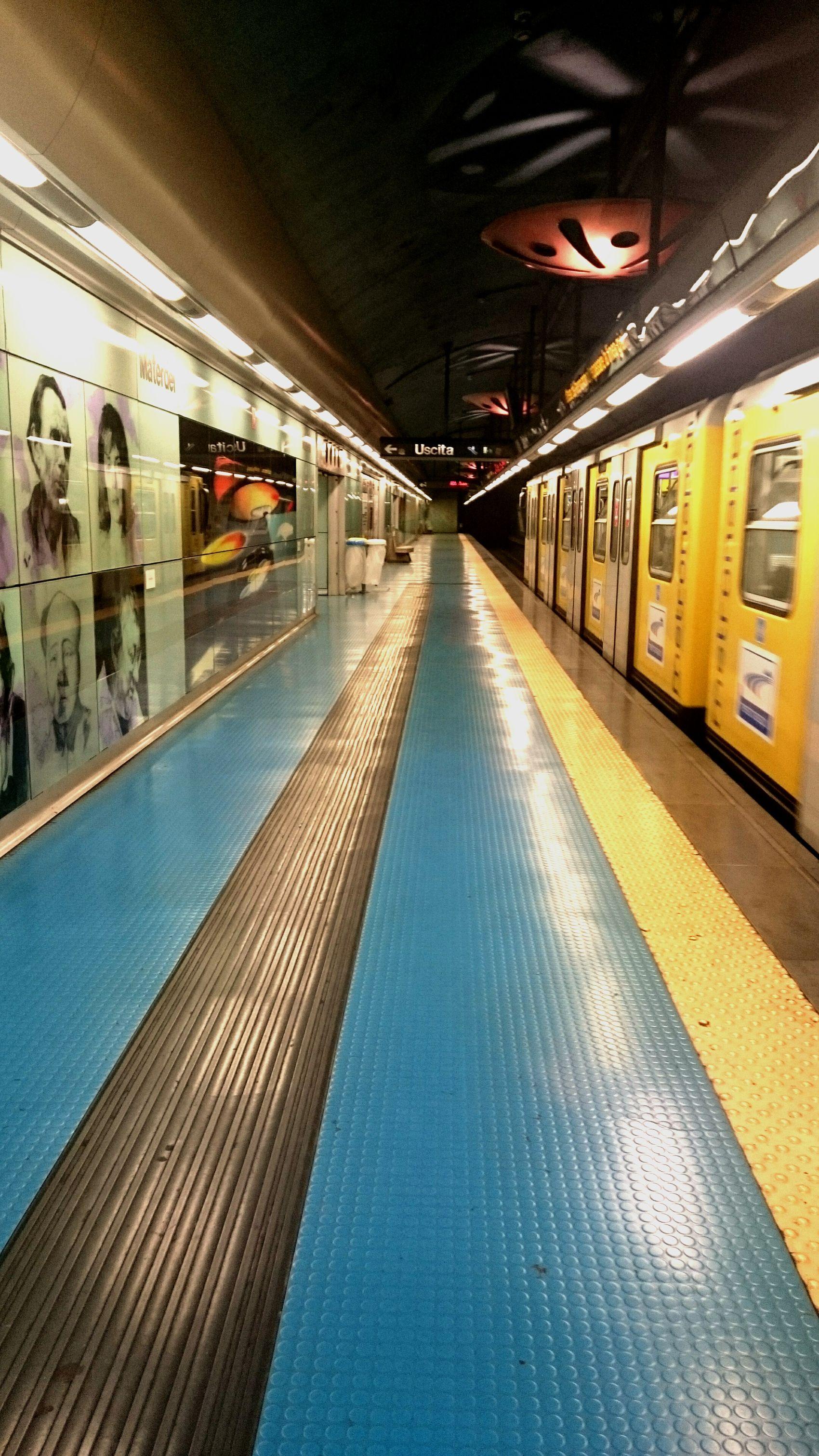 Metro Naples - Materdei Naples Metro Ligne1