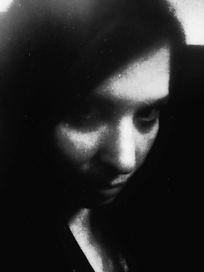 I'm the beast Monochrome Dark Portrait Self Portrait Darkart Dark Art Look Into The Darkness  NEM Self Blackandwhite Open Edit Black & White Darkness OpenEdit Selfportrait