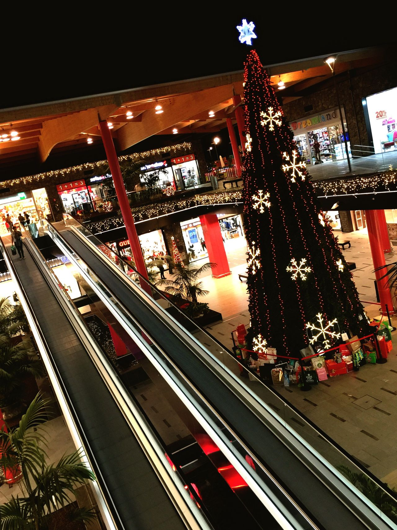 Siam Tenerife Teneriffa Navidad Canarias Canary Islands Mall Shopping Mall Siammall Christmas Tree Christmastime Christmas Lights Christmas Decorations Christmastree Christmas Time