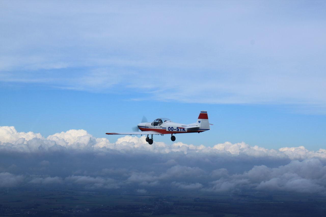 Aeronautics Avion Dans El Ciel Avion Plane Champ Ciel Sky Nuages Et Ciel Slingsby
