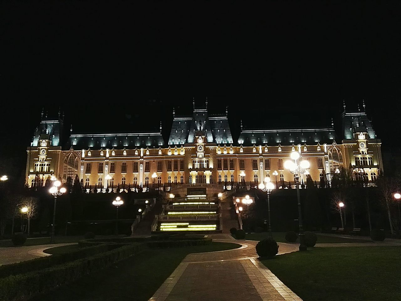 43 Golden Moments Palace Iasi Romania Palace Of Culture Night Lights Night Nightphotography Night View Night Photography Amazing View Amazing Place Amazing