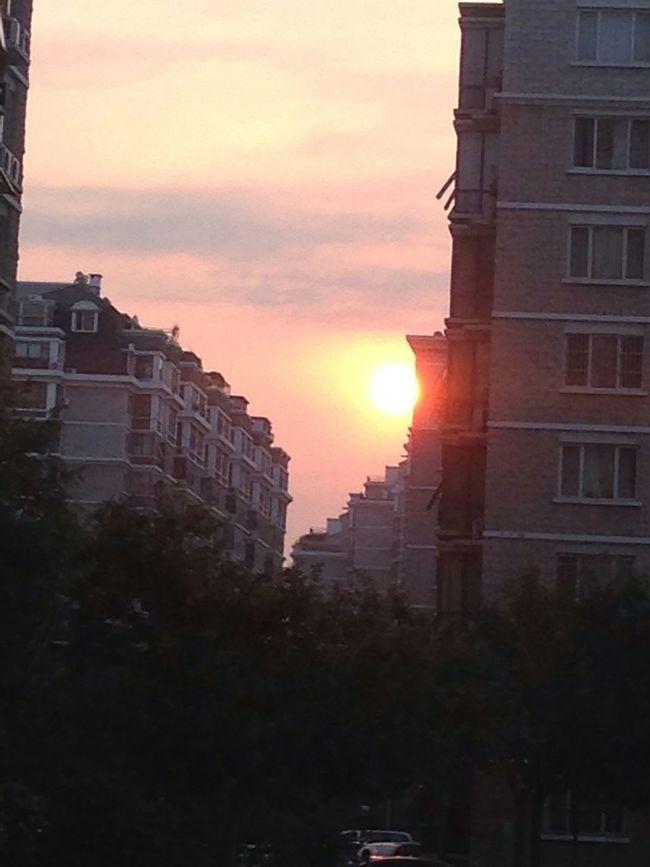 每当夕阳西沉的时候,我还在这里耐心的等着你。。。。