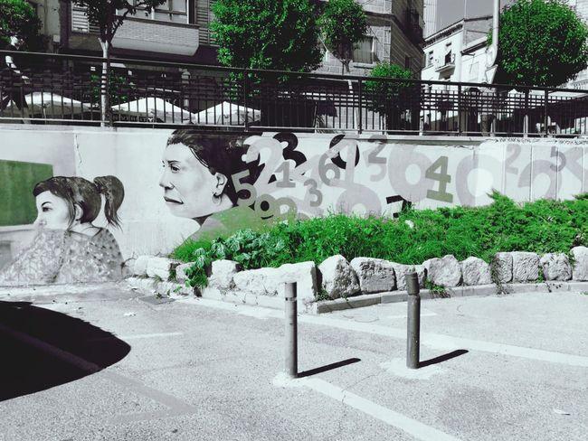 walking .... Streetphotography Streetart/graffiti Lleida Moments