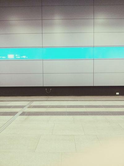 scheiß s-bahn -.- Warten Waiting Train Station