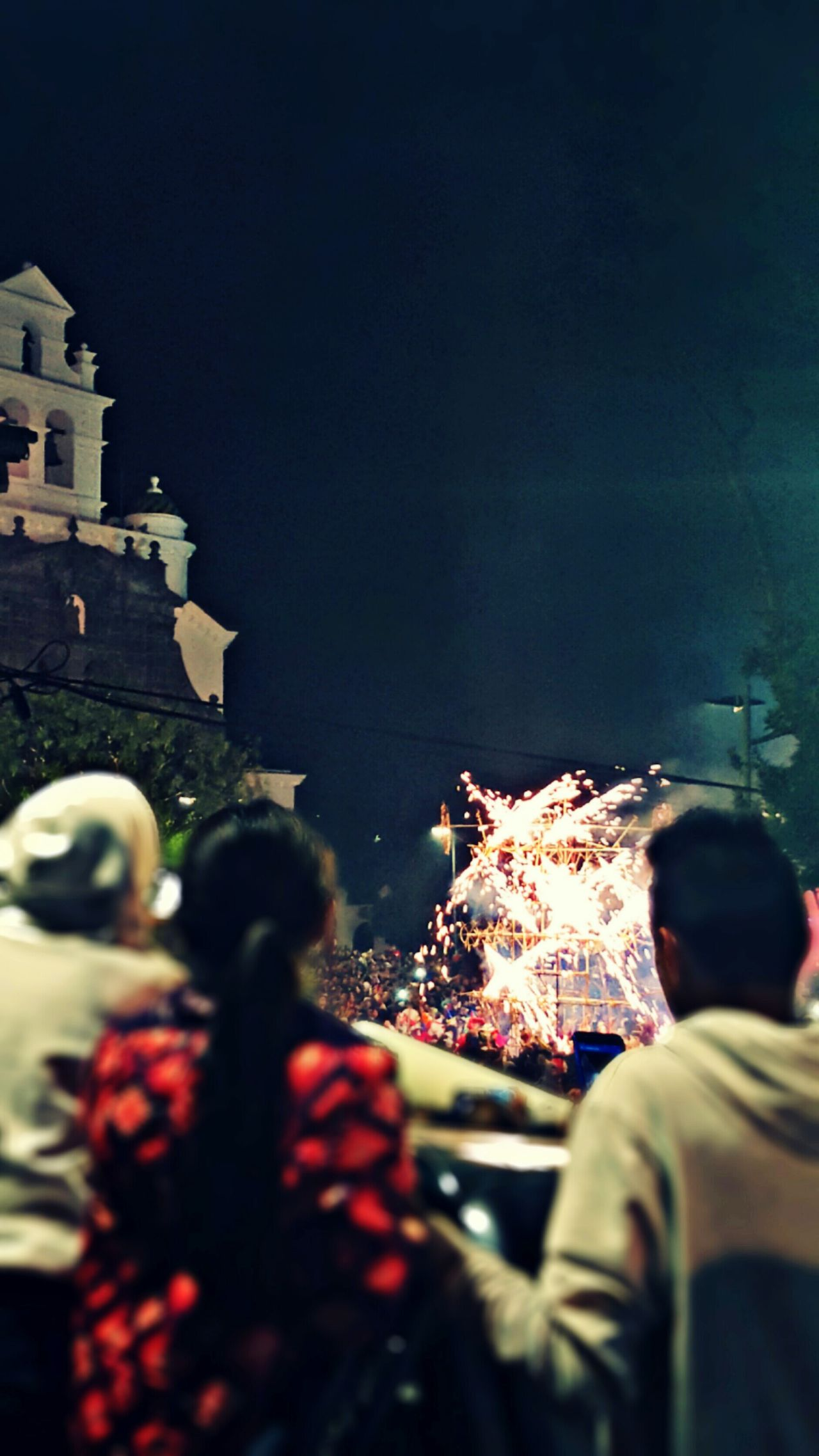 GUAPULEÑA Parties Nightphotography Latin America Quito Ecuador Fireworks Middle Of The World Kids Church