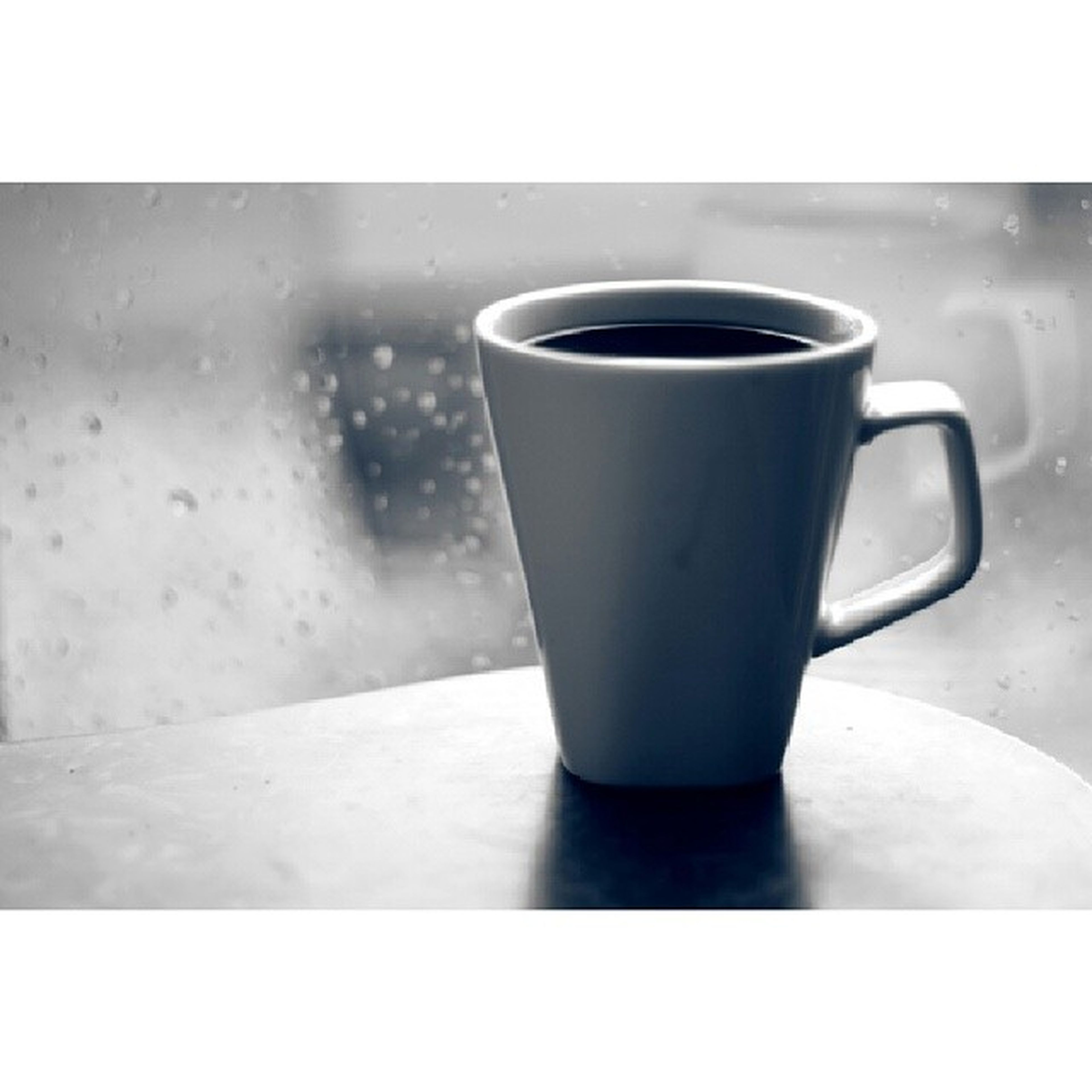 drink, refreshment, food and drink, coffee cup, freshness, coffee - drink, indoors, table, coffee, transfer print, close-up, saucer, cup, still life, beverage, auto post production filter, frothy drink, tea, tea cup, no people
