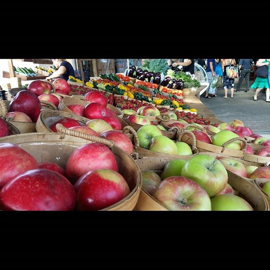 Meanwhile in Montréal ... Marchejeantalon Jeantalonmarket Fruit Market Prefectsunday