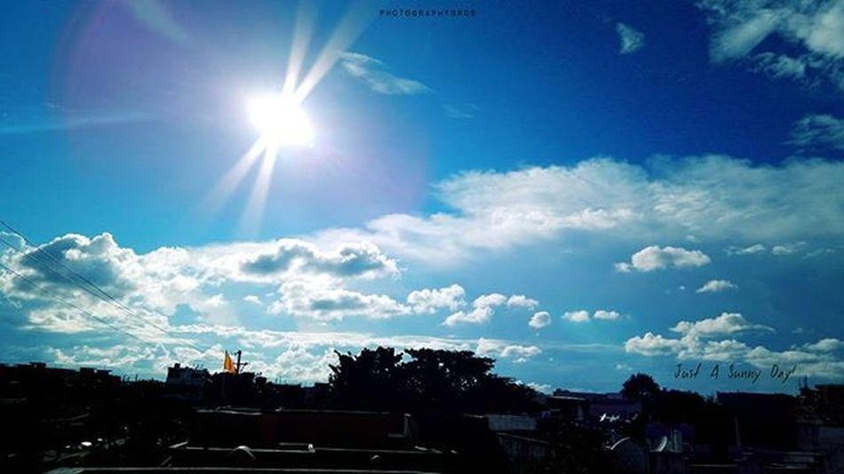 Gooood morning.. 💓😊 Blue Skies Clouds Cloudporn Cloudscape Sunbeam Wide Wideangle Sunnymornings Nikonphotography Nikon_photographs L820 Nikontop Instadaily Photography_love Photographyislife Photographybros
