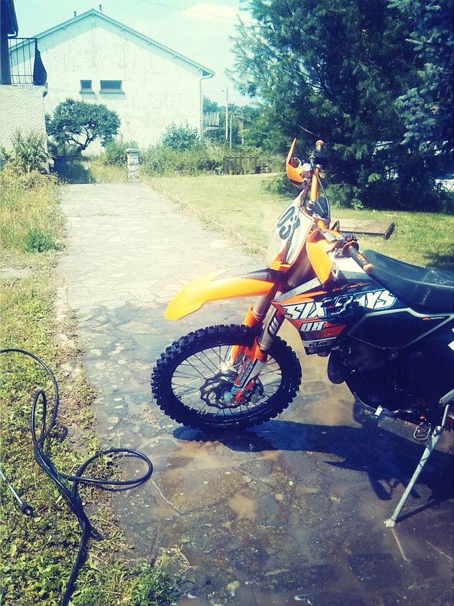 Washing Time Enduro Motocross