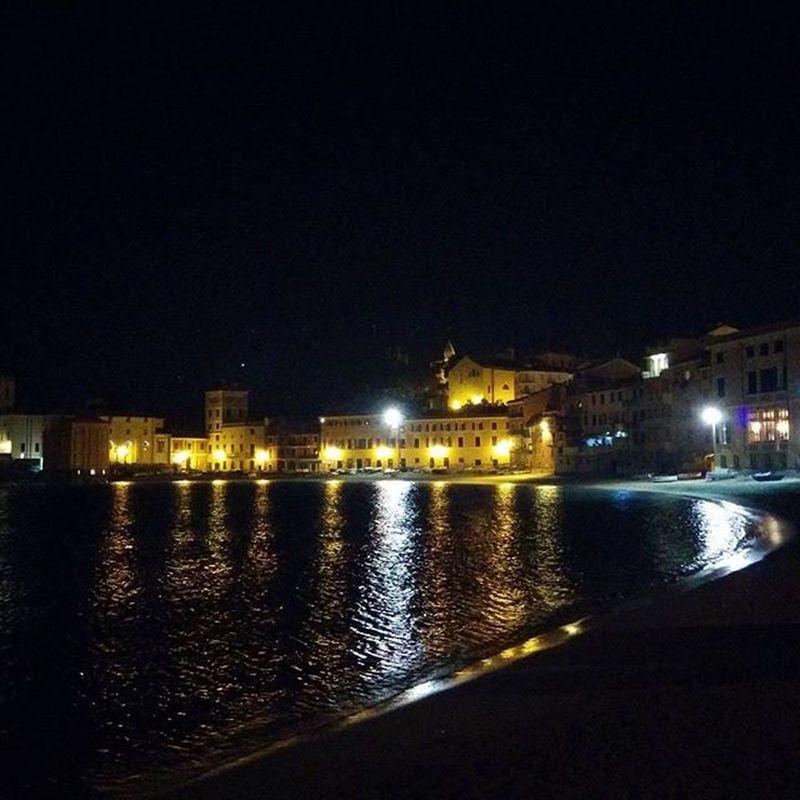 Taking a walk after a pizza Baiadelsilenzio Sestrilevante 🚶🚶 🌛🌛🌛 Liguria Sea Mare Italy Ig_liguria Bestliguriapics Picoftheday Ig_genova Igersliguria Bestoftheday Italia Igersitalia Ig_liguria_ Loves_liguria Whatitalyis Instaitalia Italia365 Ig_italia Ig_italy Like4like L4l Instagood Likeback lfl igers likeforlike instalike photooftheday