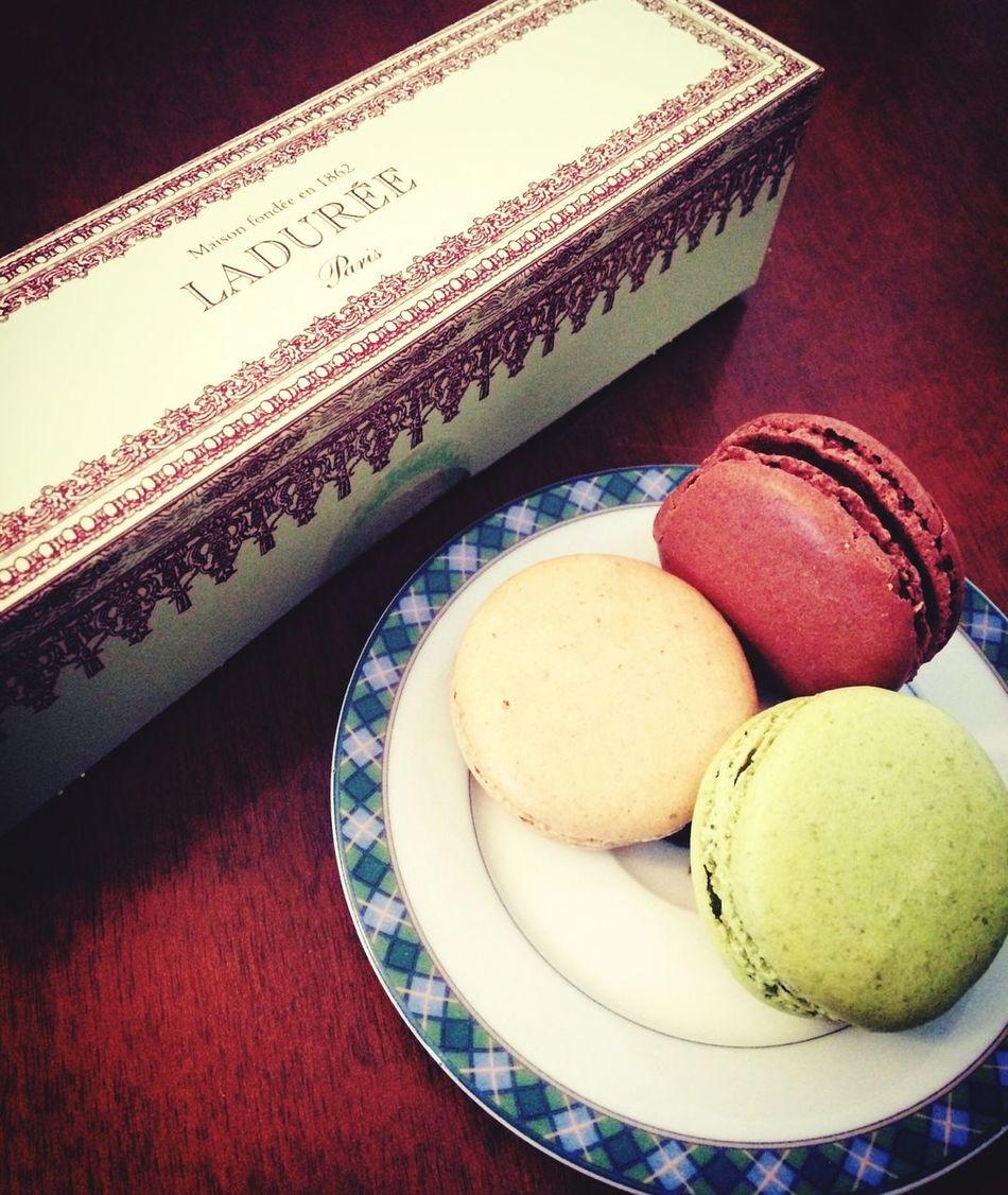 Instafood Macarons Laduree Paris Dolci Sweet Food Chocolate Ilovechocolate Peccatidigola Ladietadomani Enjoying Life Life Piaceridelpalato Trattiamocibene Volemosebene That's Me