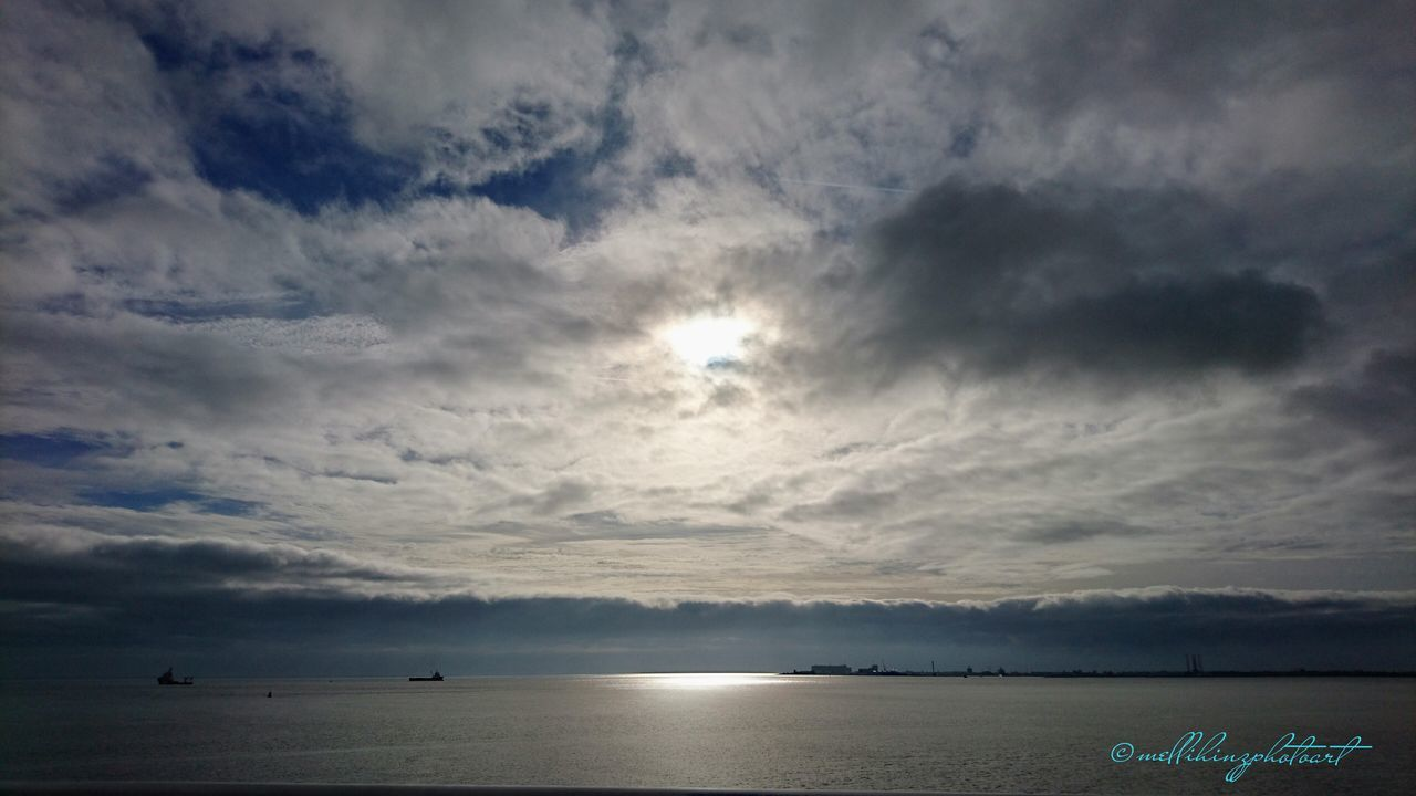 Rückfahrt von Texel nach Den Helder..... Sea Scenics Sunset Cloud - Sky Horizon Over Water Water Beauty In Nature Sky Nature Outdoors Beach No People Day Texelstrand Texelpics Den Helder Fähre Texel  Sky_ Collection Sky And Sea Skylight Skyblue