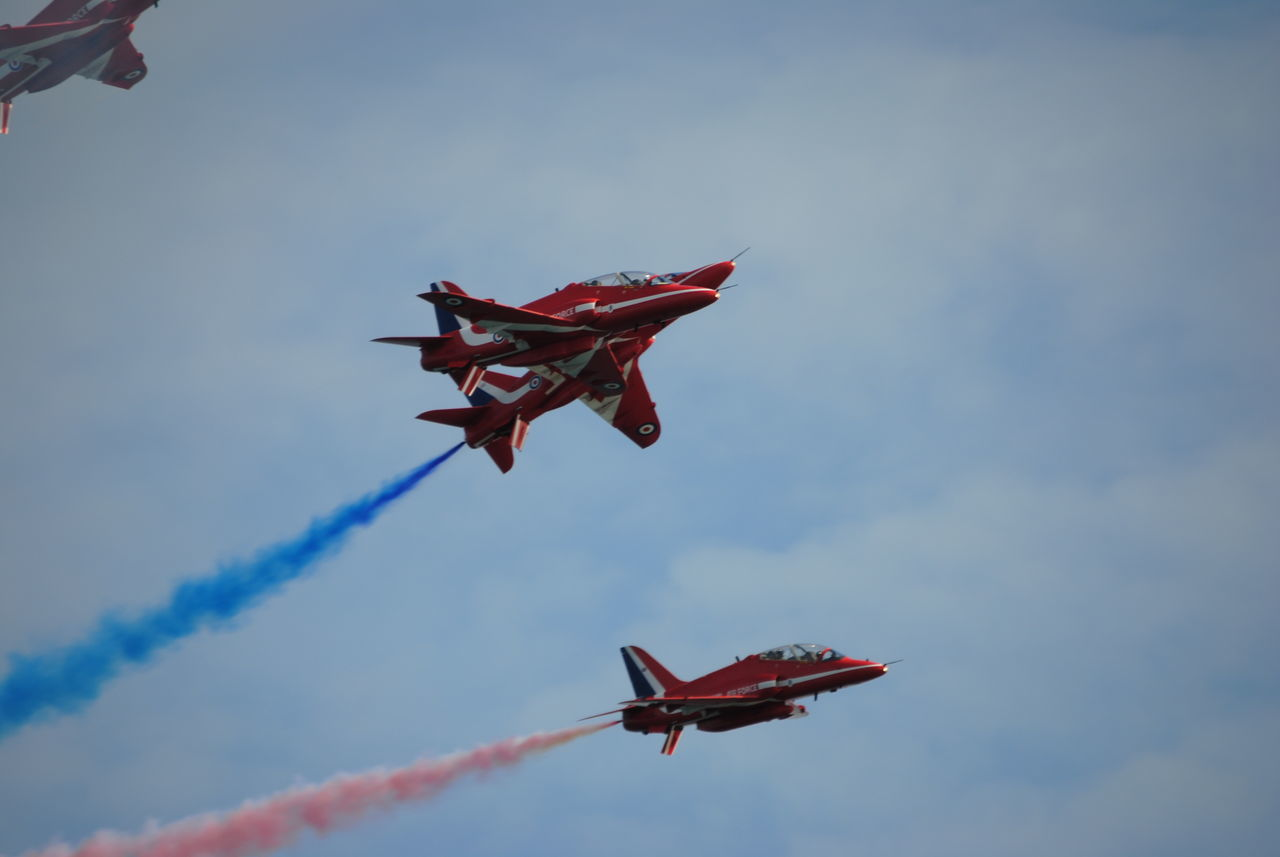 too close to call, red arrows Red Arrows Air Display Aircraft AirPlane ✈ Airshow Jets Planes In The Sky Planes, Trains And Automobiles Planes Overhead