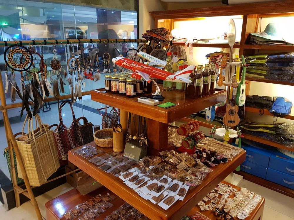 Store Retail  Indoors  Consumerism Business Finance And Industry No People Choice Large Group Of Objects Day Jewelry Store Souvenirs/Gift Shop Souvenir Souvenirs ✨... Souvenirs Souvenir, Souvenir .. Souvenirs D'enfance  Souvenir💖✌ Souvenire Souvenir Of My Travel
