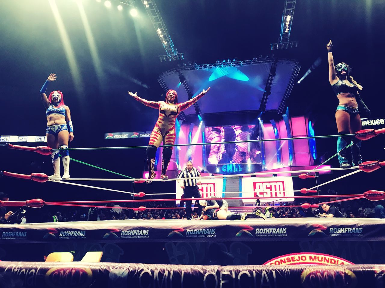 Wemen Lucha Libre Wrestling Performance Audience Arts Culture And Entertainment Illuminated Large Group Of People Real People Night