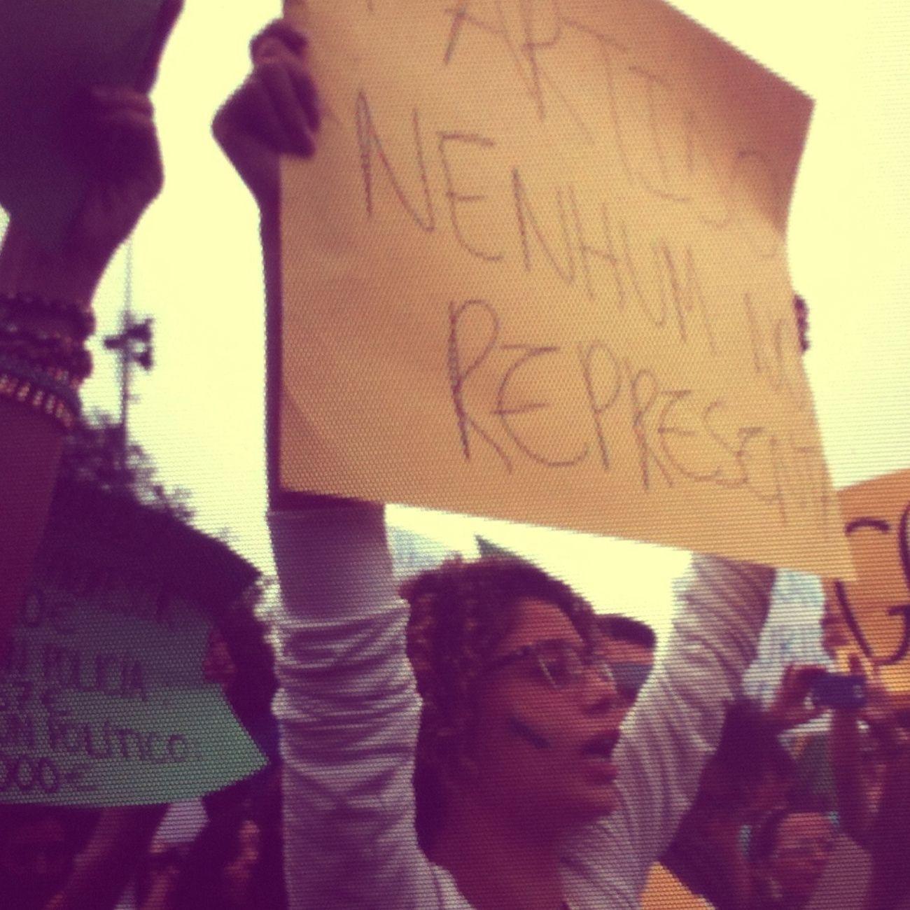 Protesto De Apoio Ao Brasil