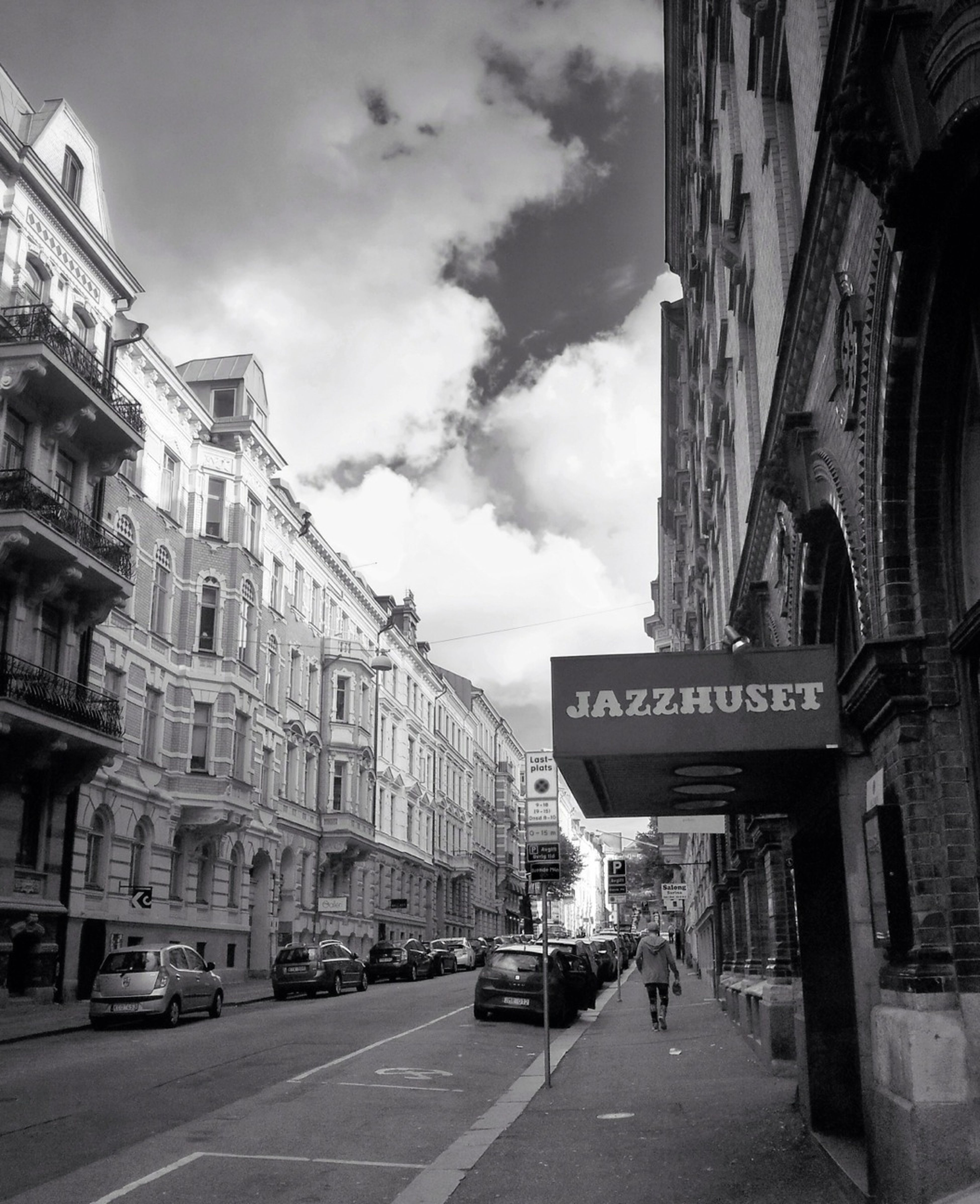 Anecdotal but most jazz fans that I know are male, over 25 and live alone. Like me. Street Architecture People Watching Streetphotography Vanishing Point Jazz Lines Buildings Streetphoto_bw Me And Jazz