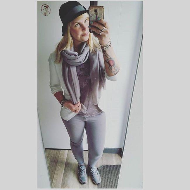 Styleoftoday Styling Lookoftheday Look Style Mystyle Grey Buddhatobuddha  White Greyandwhite NewBalance Sneakers Hat Hoed Hoedje Armbanden Myself Thisisme TodaysLook Ootd Outfit Outfitpost Outfitoftheday