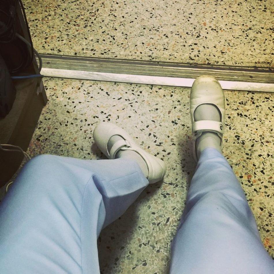 เมื่อยเนอะ นางกำฝังพยายามบอกนางคือขาทั้งสองของชั้นเอง