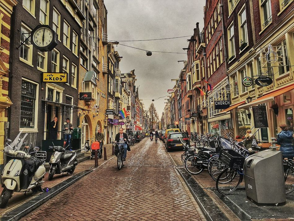 Amsterdam Amsterdamcity Architecture Beautiful Building Building Exterior Built Structure City City City Life Citylife Holland Iamamsterdam Netherlands Niederlande Oldtown Residential Building Residential Structure Shopping Sky Street Streetlife
