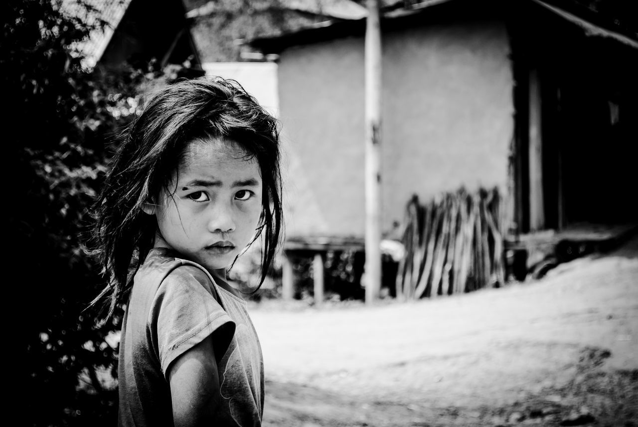 Childhood One Person Looking At Camera Portrait Focus On Foreground Elementary Age Real People Child Outdoors People Innocent Eyes Innocenceofachild innocent face Innocent Eyes Are Soul Reflection Eyes The Street Photographer - 2017 EyeEm Awards The Portraitist - 2017 EyeEm Awards