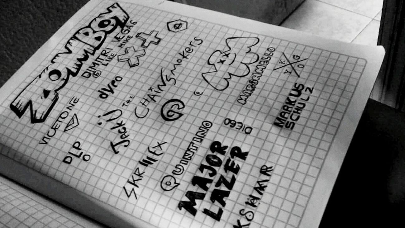 Hay completa Devoción a Todos Estos Hombres. Saturdayofdrawing The Chainsmokers Major Lazer Skrillex  Marshmallow Martin Garrix Multi Colored Creativity Draw Love Tomorrowland
