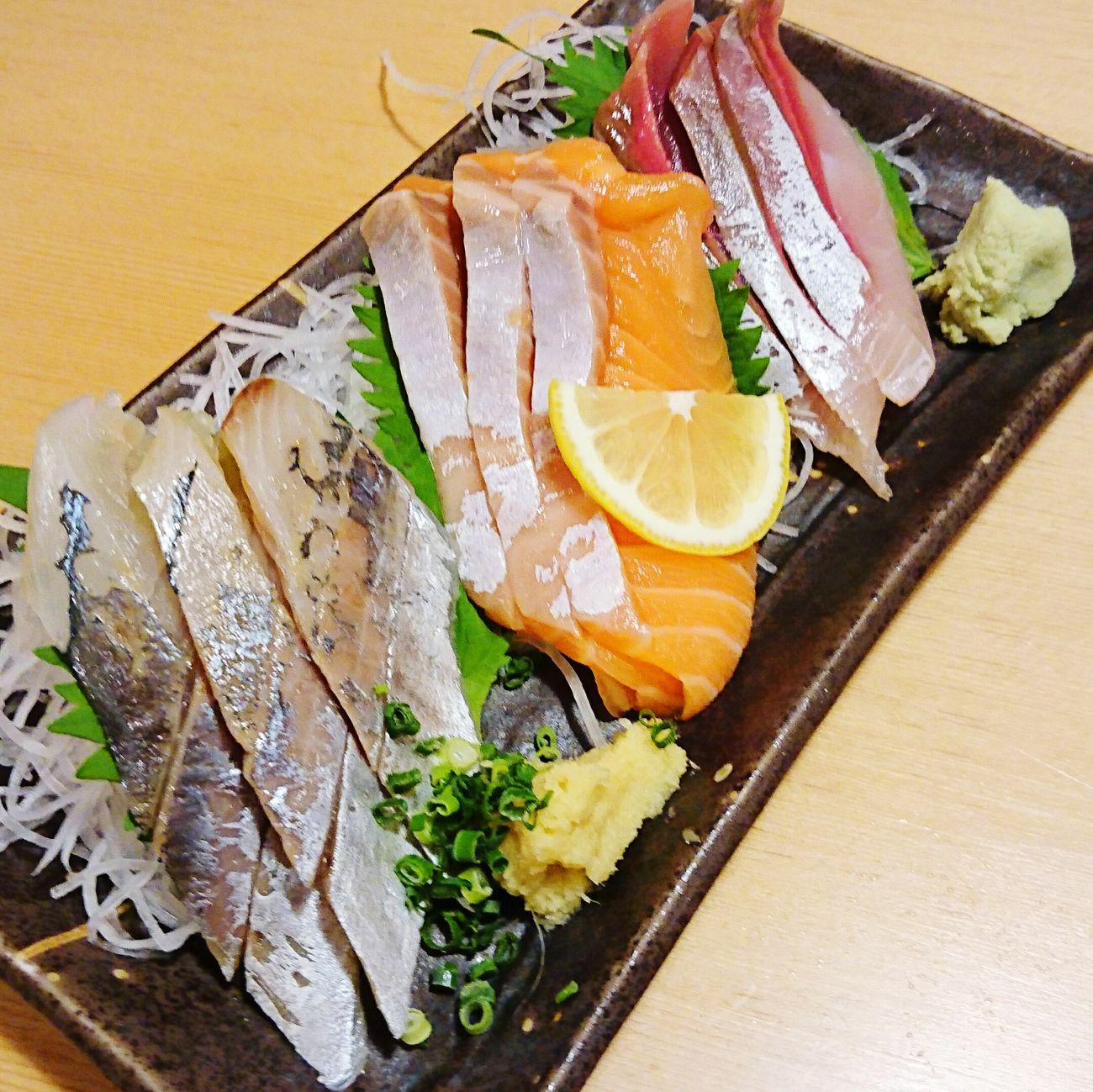 や台や 食べもの Foods Food 刺身 刺身の盛り合わせ さしみ さしみ 刺身 Sashimi Dish Sashimi Dinner SashimiloversSeafood Fish Salmon - Seafood Wasabi わさび 山葵