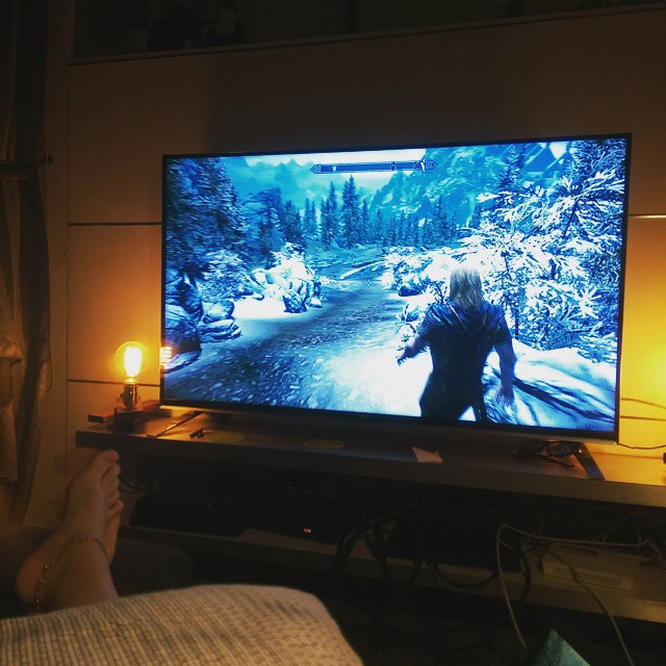 Watching boyf play Antrim as I refuse to start a new game. XBox is definitely coming to Hong Kong after Christmas! Sundayskyrim Gaming Bestgameever