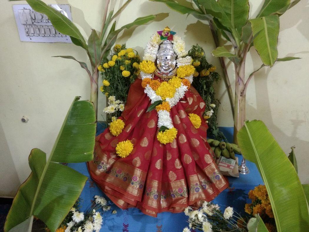 Lord Lakshmi Lakshmipoojan Diwali💟🎇🎆🌌 Indoors  Flower Multi Colored No People Freshness Close-up Moto G4 Plus Smartphone Photography Diwali Celebrations Neon Lights Banana Leaves Sugarcane