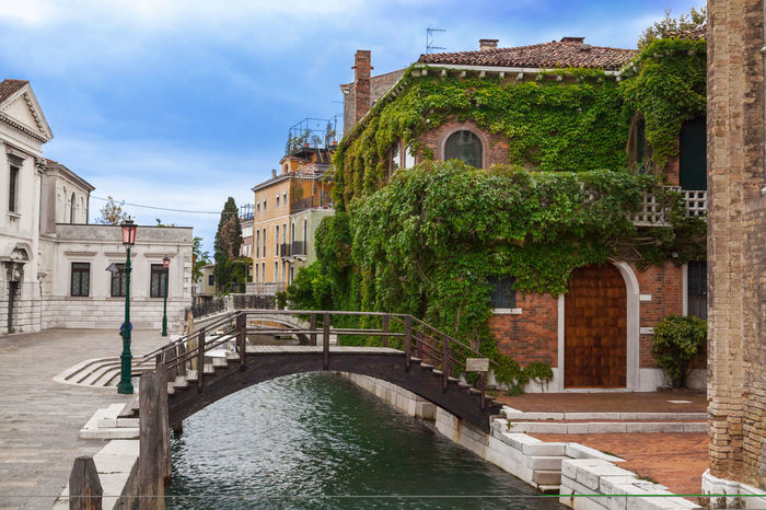 Bridge in Venice, Italy Architecture Beautiful Bridge Builiding Canal City Cityscape Day EyeEm Best Shots Famous Gondola Holidays House Italy Landmark Outdoors River Romantic Selfie Street Colour Of Life Tourism Town Venice Water