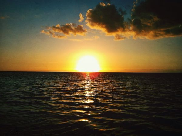 """In the darkness before the dawn In the swirling of the storm When I'm rolling with the punches and hope is gone Leave a light a light on - """"Midnight"""" Coldplay. Sunset Sea Sunshine Nature"""