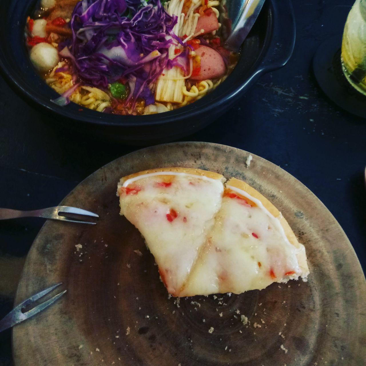 Mì lạnh và pizza cho mùng 7 Food Ready-to-eat No People