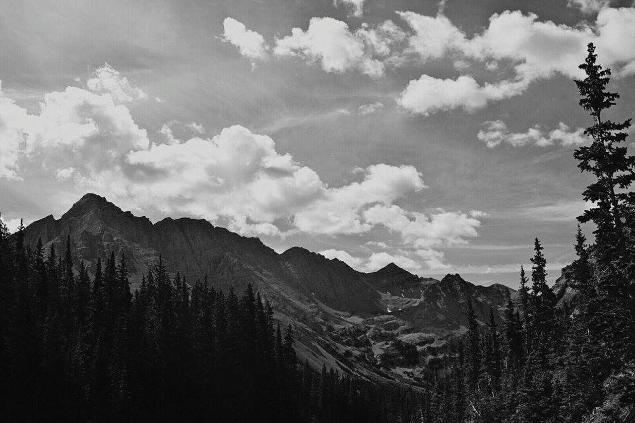 Hiking in the Maroon Bells near Buckskin Pass, a view of Pyramid Peak Colorado Co Coloradotography Coloradotography_toc Hiking Hiking Trail Mountains Mountain Maroonbells