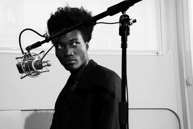 The Portraitist - 2015 EyeEm Awards Singer  EyeEm Masterclass Light And Shadow Open Edit Blackandwhite Monochrome Benjamin Clementine Backstage Musician The 2015 EyeEm Awards Finalists