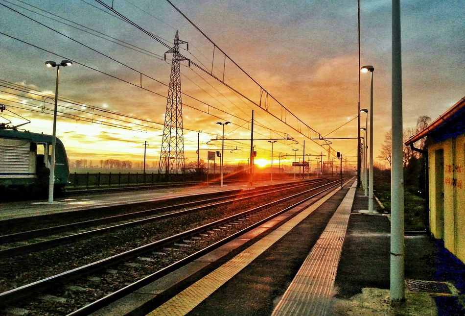 Landscape Sunrise Railstation Clouds And Sky SG SIII phone