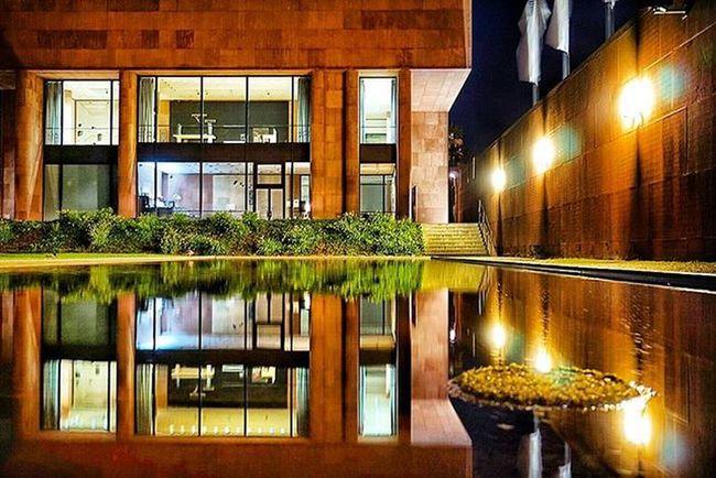Nightshot Bielefeldjetzt Bielefeld Kunsthalle Watermirror Water Upsidedown