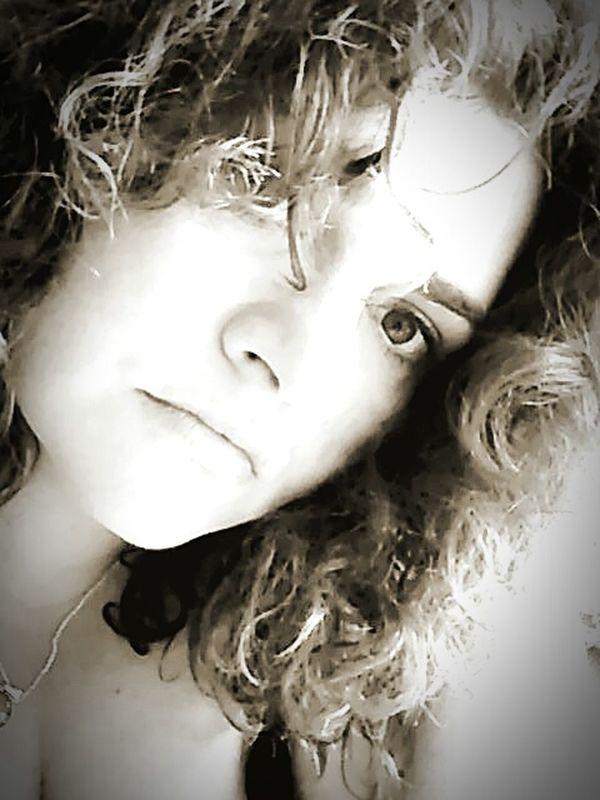 📷🔒..........🔑 Today:-) Womanselfie Enjoying Life Good Vibes✌ Mysoul♥ Womanwithcurves JustMe Regards De Femmes Eyes Are Soul Reflection