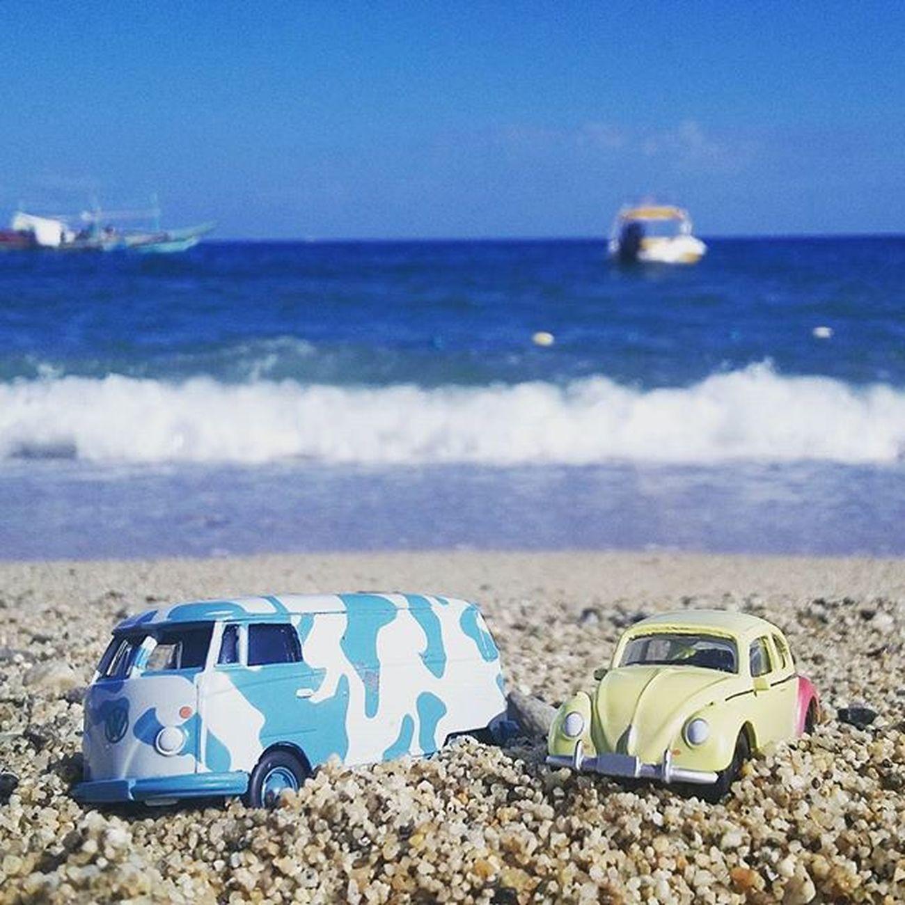 Beach bums be like Volkswagen VW VWbus Vwbeetle Vintage Diecast Beach Summer2016 Sand POTD Wheninlaiya Wheninbatangas Instalike Instaplaces Byahenitin2016 Followstagram Tweegram Melikey Megusta Instadaily Summer Toycars @garagetravel Travelgram Instagood Instamood dasauto