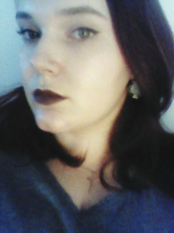 Relaxing Hi! Hello World Eyes Hi Darklips Witch Red Lips Lips Green Eyes