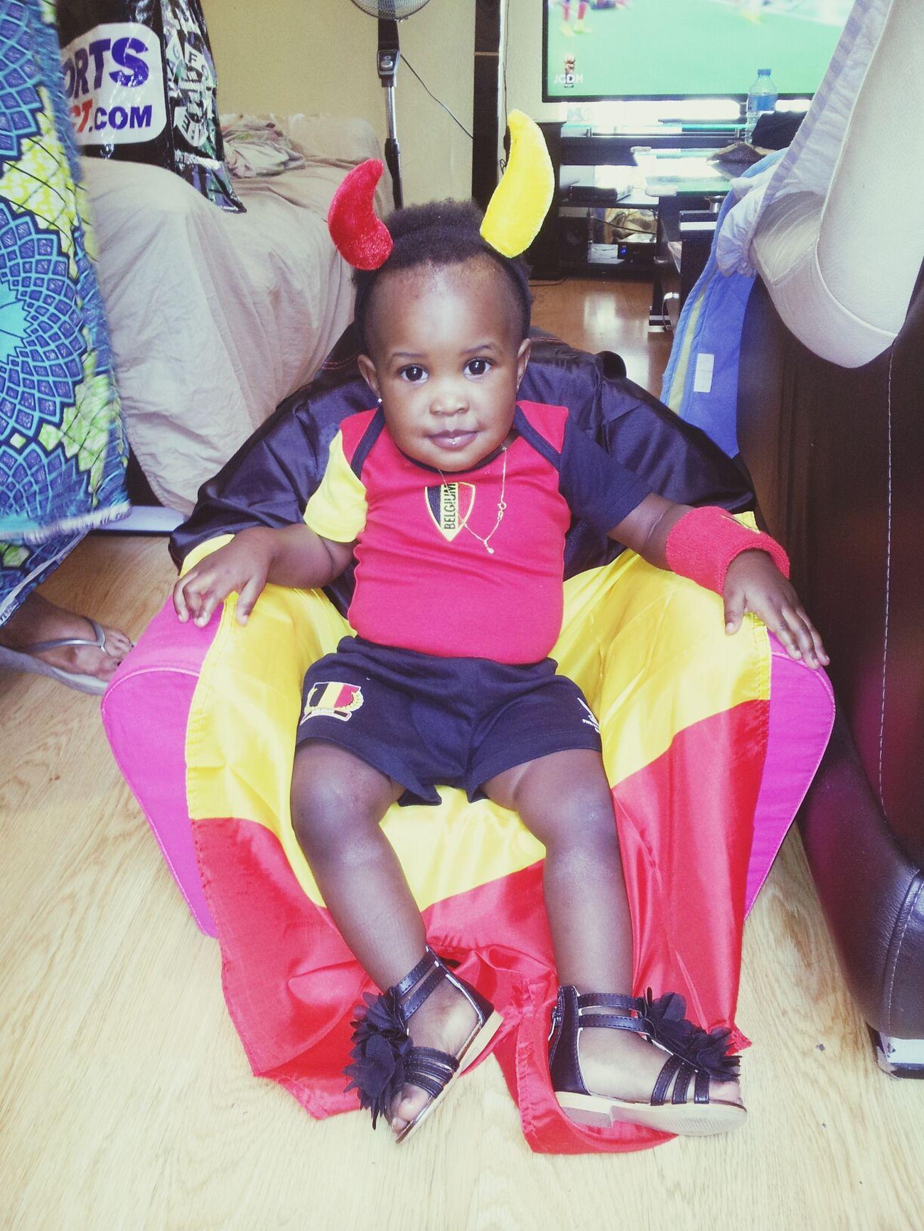 Shayna est prete pour soutenir la Belgique Coupe Du Monde Diable Rouge Belgium Ma Fille
