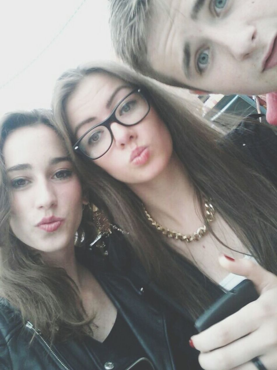 ? Drunk Selfie Party Friends