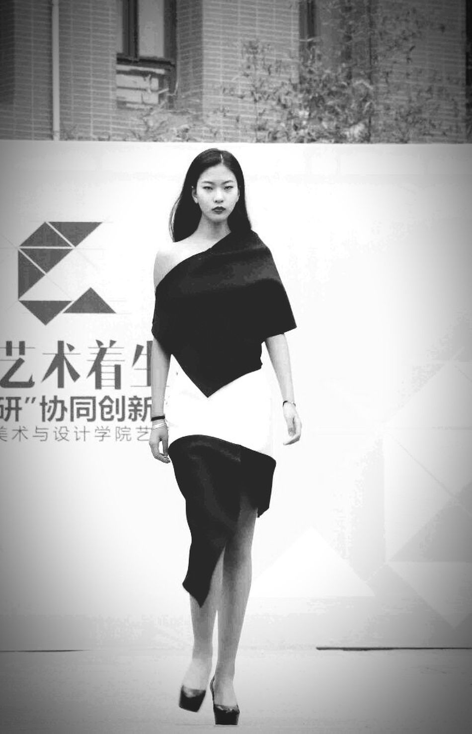 Good Night Today's Hot Look Girl Models Modeling Fashion Model Cool Black And White Say Hi That's Me Chinese Model model