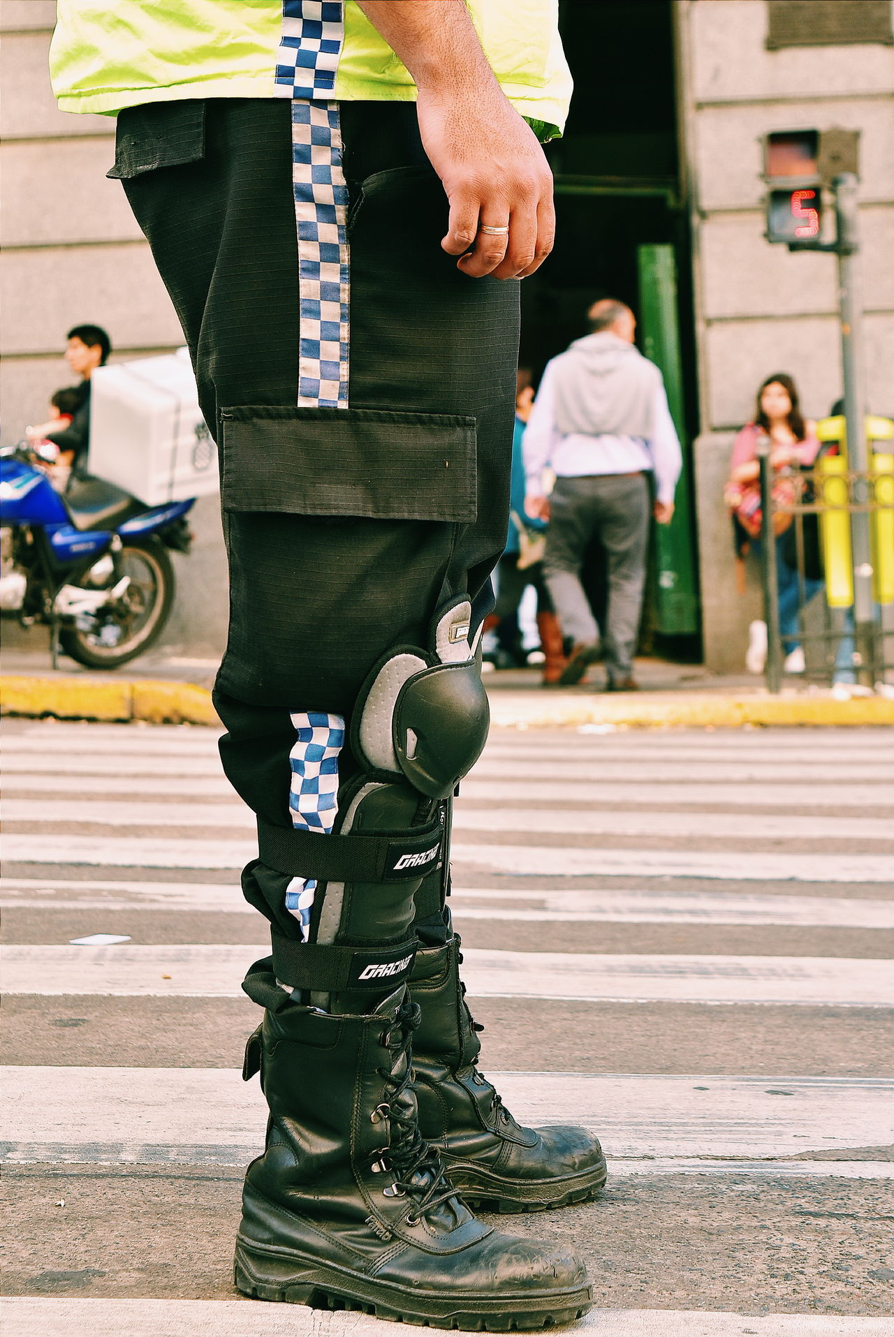 Casual Clothing City Life City Street Footpath Traffic Control Traffic Jam Traffic Police  Policeman Boots Police Streetphotography Police At Work City Street Nikon Urbanphotography Bokeh Photography TheWeekOnEyeEM TakeoverContrast NikonD5500 Close-up City Life Flooring Street Human Finger