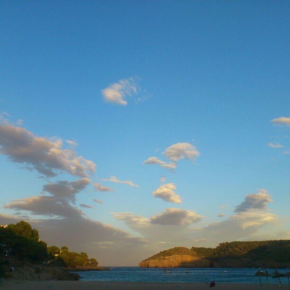 Calamontg ó Clouds Sky