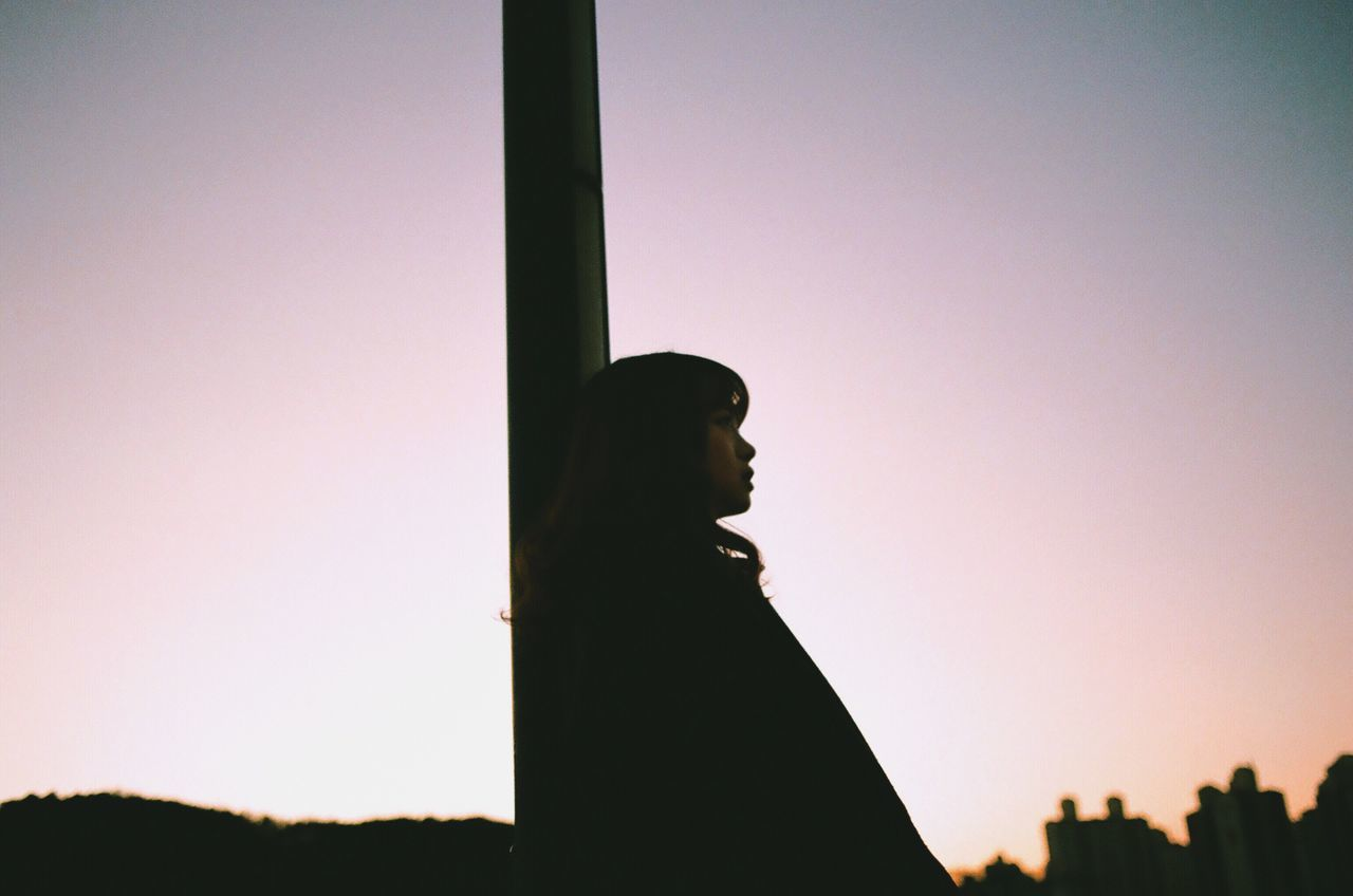Silhouette One Person Real People Sunset Lifestyles Outdoors Clear Sky Low Angle View Women Sky Day Nature Film Photography 35mm Film Filmisnotdead Analogue Photography Portrait Of A Woman Light And Shadow Korea Afternoon Nightphotography Single