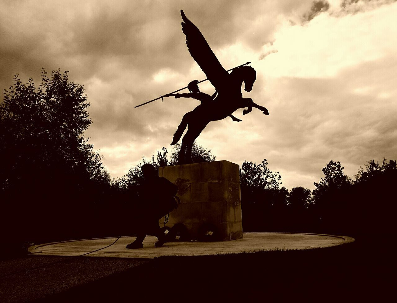 Memorial Sculpture Outdoors War Ww2 Ww1 History September2016 Love To Take Photos ❤ Check This Out Eyemphotography EyeEm Best Shots History Lover Not To Forget Proud