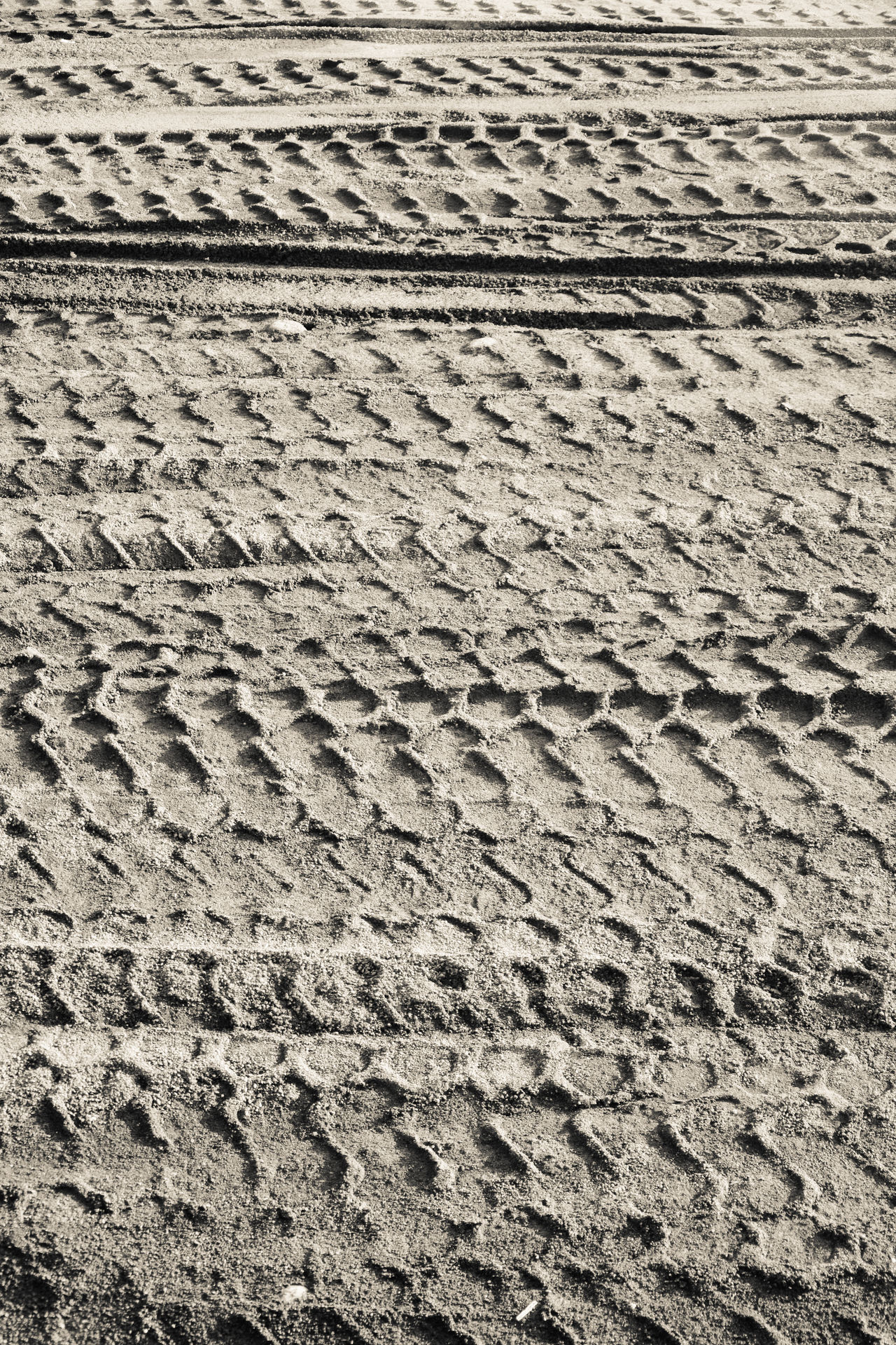 Arid Climate Backgrounds Beach Close-up Day Full Frame Impronte Nature No People Outdoors Pattern Pneumatic Preumatik Print Sand Sand Dune Sand Print Tire Print Tire Track Art Is Everywhere